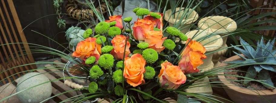 Laendliches Rosenwunder Rosen Santini Chrysanthemen Bärgras DIY Blumenstrauß