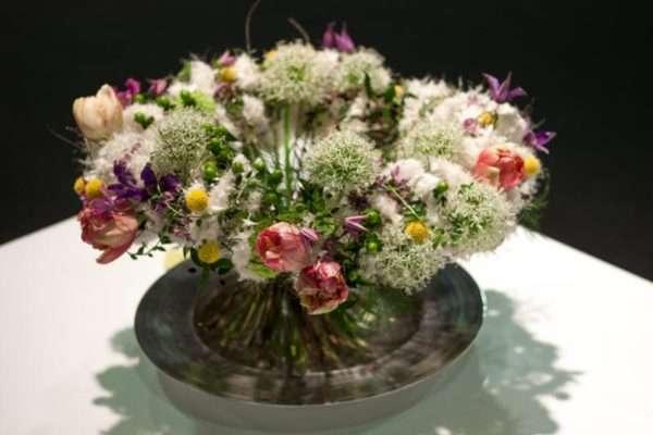 Blumenstrauß mit weißen Allium